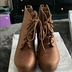 Shi brown wedge shoe